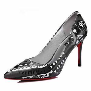 莫蕾蔻蕾时尚女鞋尖头细跟印花可爱单鞋 6q319
