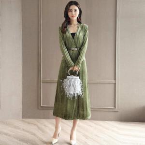 轩品媛 OL通勤气质收腰连衣裙长袖V领打底裙 P809935