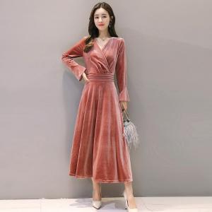 轩品媛  秋冬长袖V领收腰连衣裙金丝绒喇叭袖 P809936